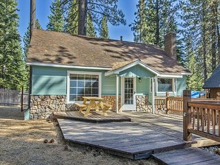 Cute cheery and upgraded chalet nestled in the pines