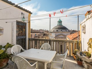 Maddalena Terrace lovely flat in Cannaregio with canal view!