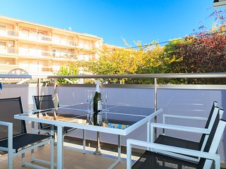 Modern and bright apartment, a few steps from the beach of Vilafortuny, Cambrils