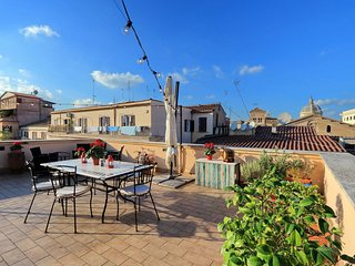 5BR/5BA Stunning Rooftop Terrace! Perfect for Families & Groups