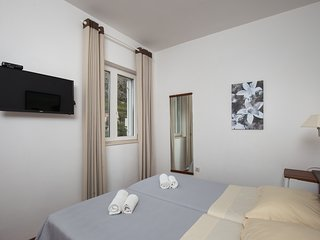 Villa Konalic - Double or Twin Room with Garden View