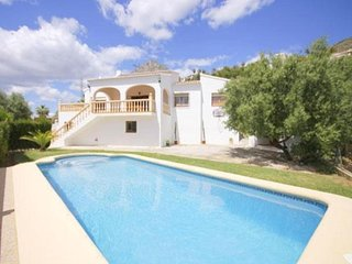 Spacious villa close to the center of Xabia with Internet, Washing machine, Pool
