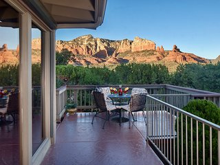 Upscale Property❤️180° Panoramic Red Rock Mountain Views❤️Tranquil & Elegant