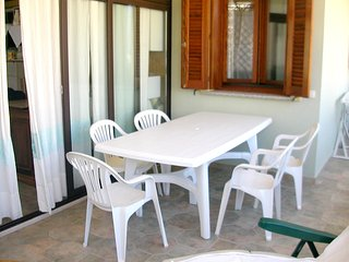 Spacious apartment close to the center of La Maddalena with Parking, Washing mac