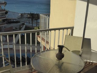 Cozy apartment a short walk away (391 m) from the 'Playa del Arenal Bol' in Calp