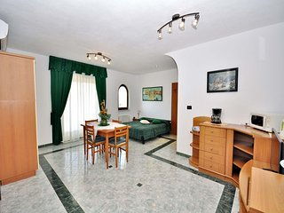 Cozy apartment close to the center of Rovinj with Parking, Internet, Washing mac