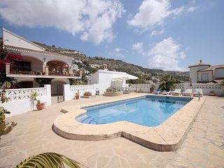 Spacious villa in the center of Xàbia with Internet, Washing machine, Pool