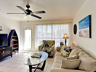 128SM;1BR, 1 BA Walking distance to the beach