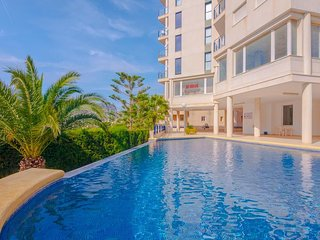 Spacious apartment in the center of Calp with Internet, Washing machine, Pool, B