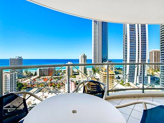 1183 Chevron Renaissance 2 Bedroom Holiday Apartment in Surfers Paradise