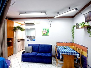 Cosy studio in the center of Castellammare di Stabia with Parking, Internet, Was