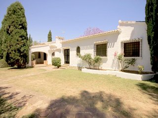 Spacious villa very close to the centre of Xàbia with Internet, Washing machine,
