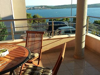 Spacious apartment in the center of Trogir with Parking, Internet, Washing machi