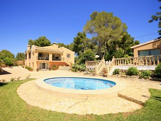 Spacious villa in El Tosalet with Internet, Washing machine, Air conditioning, P
