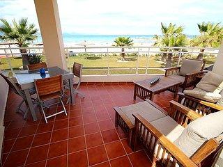 Cozy apartment right near the 'Playa del Raco de la Alberca' in Denia with Parki