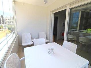 Cozy apartment a short walk away (90 m) from the 'Playa de la Marineta' in Dénia