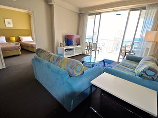 2282 Chevron Renaissance 2 Bedroom Holiday Apartment in Surfers Paradise