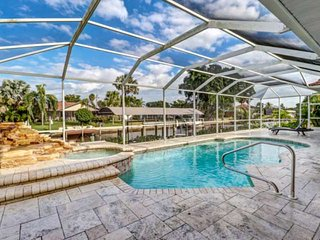 Ultimate Outdoor Living! Luxurious SW Cape Coral Pool Home! Gulf Access Canal! F