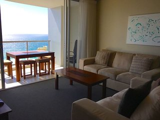 2292 Chevron Renaissance 2 Bedroom Holiday Apartment in Surfers Paradise