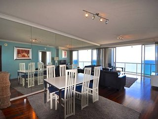 2345 Chevron Renaissance 2 Bedroom Holiday Apartment in Surfers Paradise