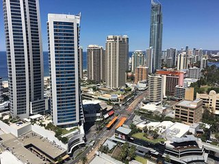 3266 Chevron Renaissance 2 Bedroom Holiday Apartment in Surfers Paradise