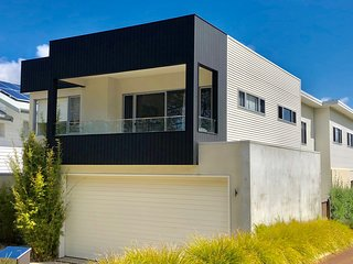 +++Luxe Dunsborough Holiday Home close to Beach-Cafes-Wineries and Town Centre