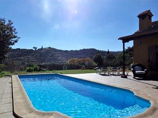 Acogedora Casa Rural con piscina climatizada, naturaleza y tranquilidad