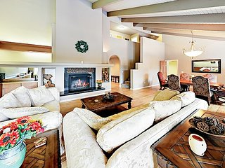 Beautiful Riverfront Home w/ Private Hot Tub, Wet Bar, Game Room & Dock