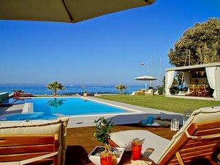 Horizon, infinity beach villa!