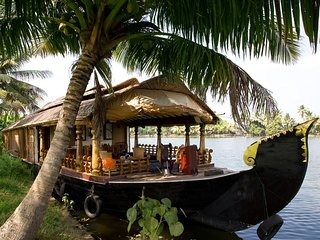 ALLEPPEY HOUSEBOATS 1 ROOM
