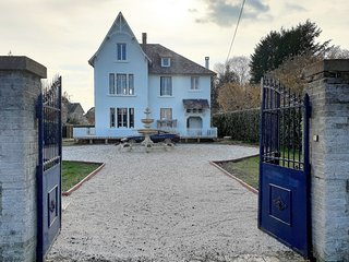 Two Bedroom Apartment In Beautiful Century Old French Manor House