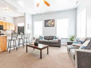SPACIOUS APARTMENT 15 MINS TO NEW YORK CITY & HOBOKEN*BUSINESS TRAVELERS WELCOME