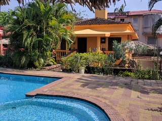 Luxury Detached 2 Bedroom Poolside Beach Bungalow with private Patio