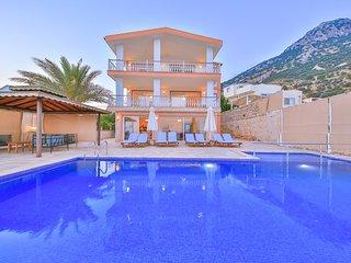 Holiday villa in Akbel / kalkan,  sleeps 12: 142