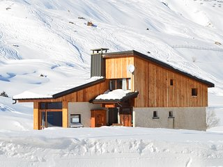 Chalet Reymond Pre du Lac , standalone ski or summer retreat