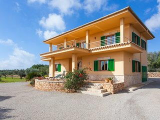 Can Rafalet House. Charming Country House for 8 people in Ses Salines Mallorca