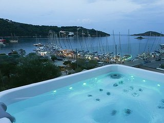 A Luxurious Seafront Penthouse Overlooking the Picturesque Harbour of Skiathos