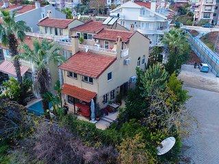 Villa Savannah Daily Weekly Rentals