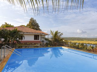 5 Tropical Woods - 4BR Holiday Home in Goa with Cook, Pool, Shared Car