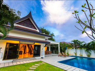CHAMPAGNE-modern & luxurious 3BR pool villa