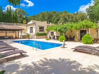 Sa Taulera Villa - luxury and spacious 5 bed villa with private salt-water pool