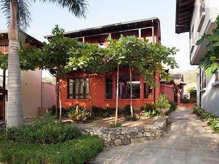 House near Playa Danta, which is like a pool!