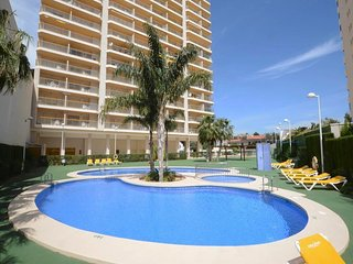 Cozy apartment a short walk away (490 m) from the 'Cala Calalga' in Calp with In