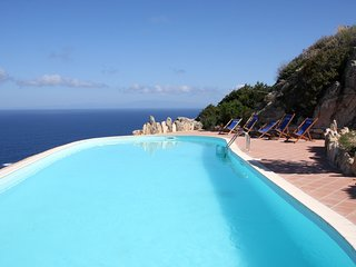 Cozy house very close to the centre of Costa Paradiso with Parking, Washing mach
