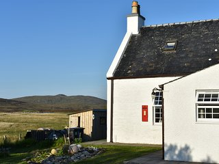 South Uist Holiday Cottage, between the Mountains and the Sea