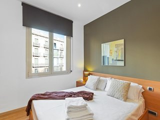 Convenient 1 bedroom apartment close to Las Ramblas and Plaza Catalunya.