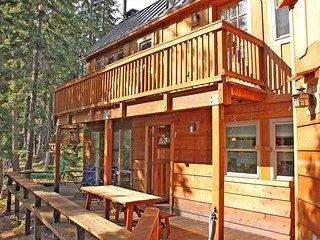Gelber's Cabin - 3 bedroom, 2.5 bath - Creekside