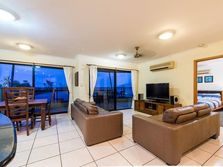 7 Waves - Airlie Beach