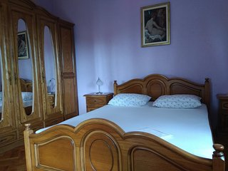 Two bedroom apartment Trogir (A-15349-a)