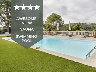 OUTSTANDING - BIOT - Splendid villa with heated swimming pool & sauna!
